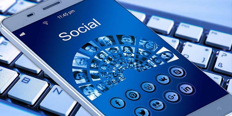 escape room social media