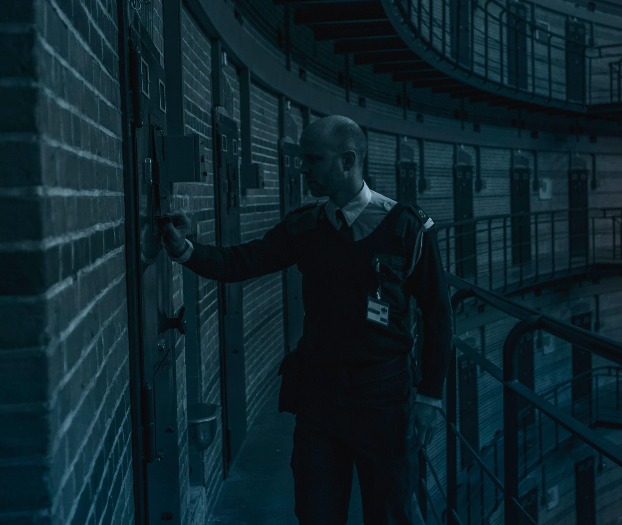 prison escape online game